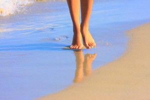 beach-feet-shutterstock_80497978-300x200